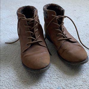 8.5 Eddie Bauer boots